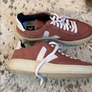 Veja V-12 sneakers petal EU 37